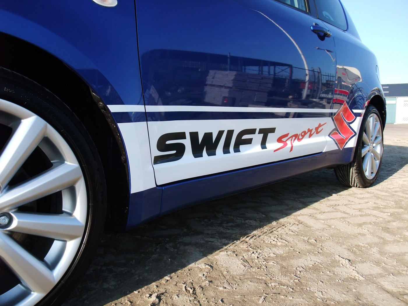 Swift Sport striping