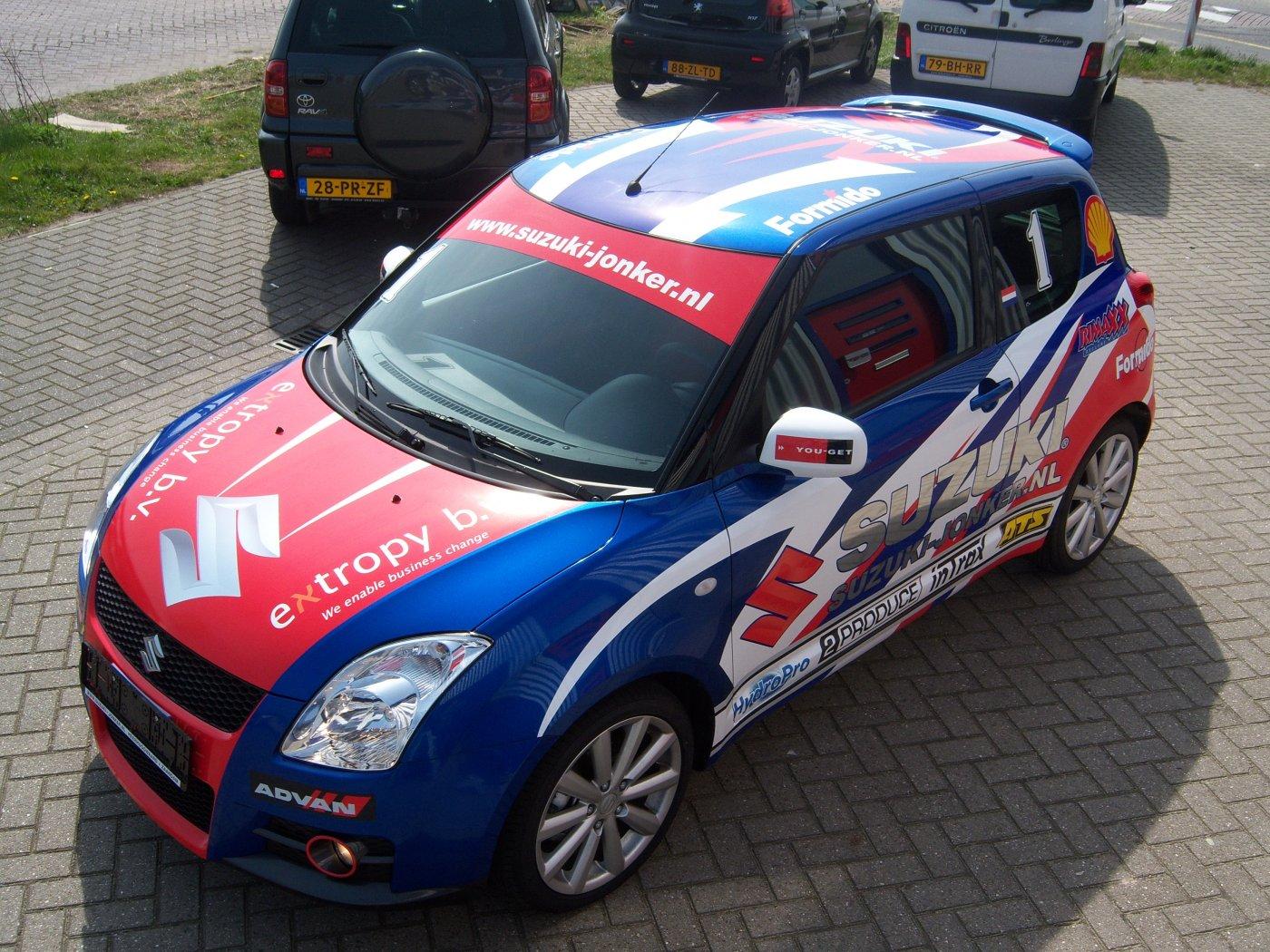 Suzuki Jonker cup-signing
